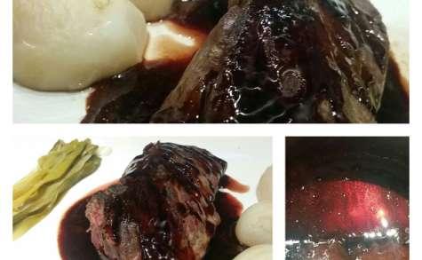 Onglet et petits navets sauce vin d'épices et fruits