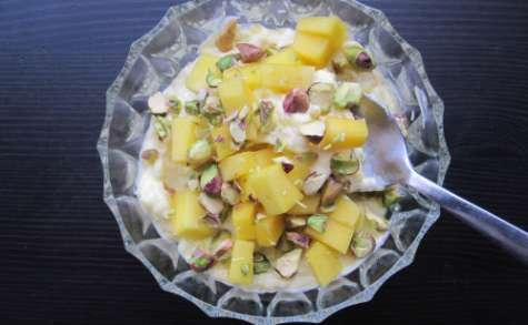 Amrakhand, yaourt à la mangue et au safran