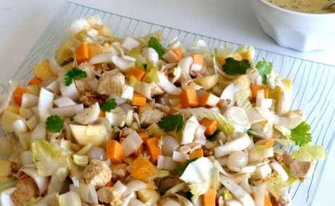 Salade d'endives au poulet, noix, pommes, mimolette