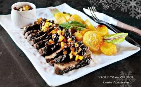 Magret de canard au chutney d'ananas, fruits secs et pommes de terre confites