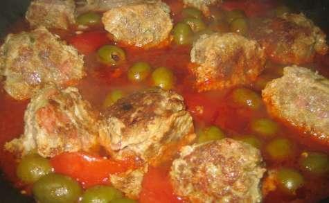 Kefta de boeuf aux olives, coulis de tomates