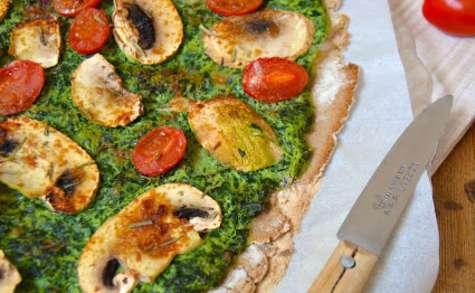 Pizza fine au chou kale, champignons et tomates cerises