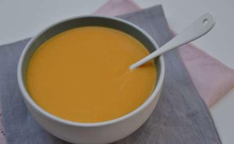 Velouté de butternut, carotte et patate douce au lait de coco