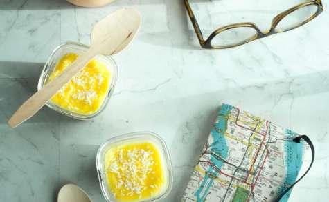 Yaourt maison à la crème de citron vert et noix de coco