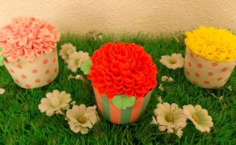 Cupcakes en fleurs à la fraise et au coquelicot