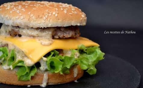 Burger et sa sauce Giant comme au fast food