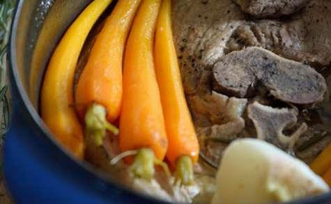 Rouelle de porc aux carottes et navets nouveaux