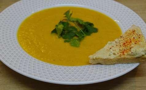 Soupe de carottes et pomme de terre au cumin, curry et badiane