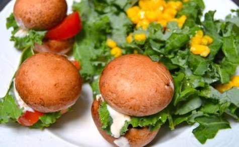 Mini hamburgers crus de champignons blonds