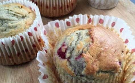 Muffins aux framboises et à la banane