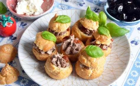 Mini choux tapenade et tomates séchées pour l'apéro