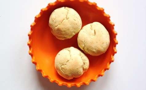 Petits pains au maïs, à la muscade et au romarin