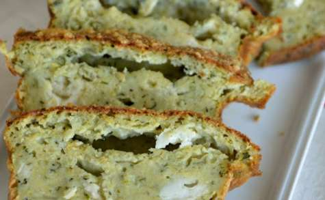 Cake de courgette au pesto et au chèvre
