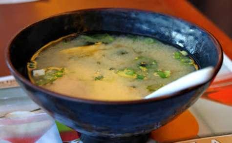 Soupe au tofu, miso et shiitake