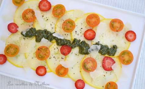 Carpaccio de courgette ronde marinée au citron vert et pesto de menthe