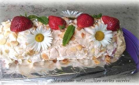Meringue roulée aux fraises et chamallows
