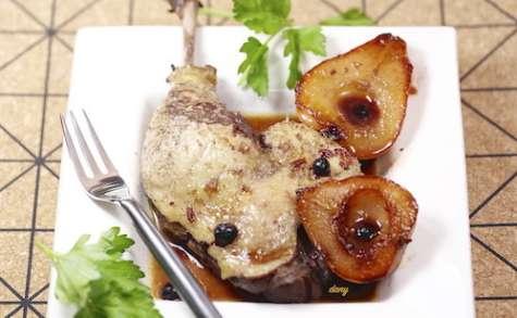 Cuisses de canard aux poires et cassis