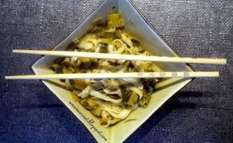 Wok de chou kale au curry vert thaï