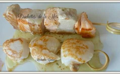 Brochettes de la mer à la plancha à la sauce espagnole