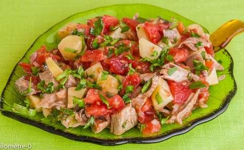 Salade de jarret de porc aux tomates et pommes de terre