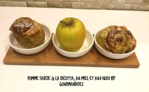Pomme Golden farcie à la ricotta,au miel et aux noix