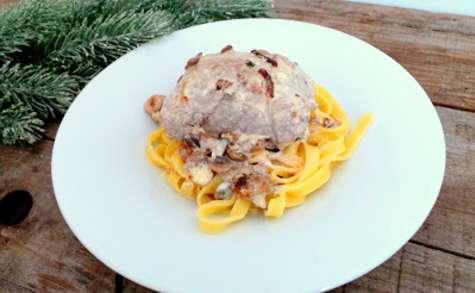Escalopes de veau farcies aux champignons, boudin blanc et mozzarella