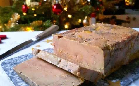 Foie gras maison à la fève tonka et au poivre de la Jamaïque