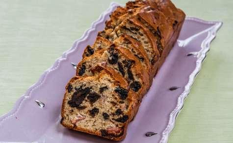 Cake lardé aux pruneaux de Martine