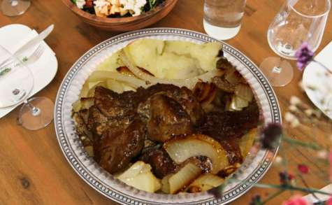 Foie veau, génisse aux oignons