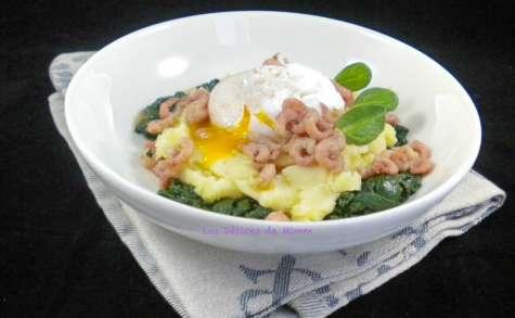Purée de pommes de terre, œuf poché, et crevettes grises