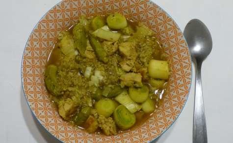 Soupe détox aux quinoa, poulet et poireaux