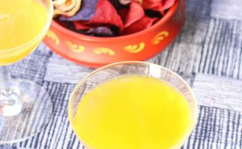 Boisson pétillante gingembre-curcuma-orange