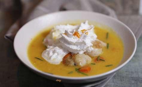 Soupe de carottes à l'orange aux St-Jacques et chantilly au cumin