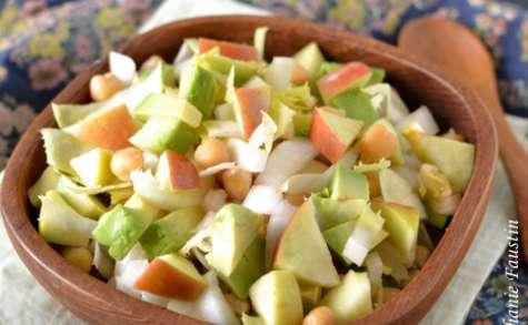 Salade d'endive à l'avocat et aux pois chiches