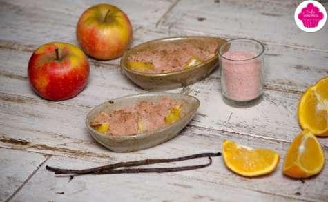 Crumble de biscuits roses aux pommes et à l'orange