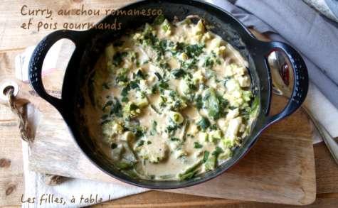 Curry au chou romanesco et pois gourmands