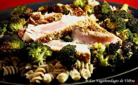 Thon en croûte de sésame et tortis aux brocolis grillés