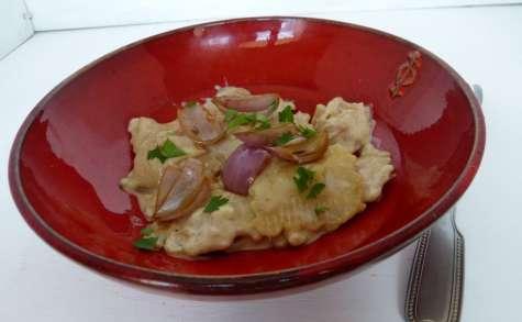Raviolis à la sauce au roquefort et échalotes caramélisées