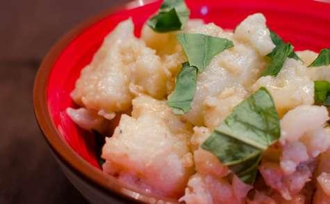 Salade de chou-fleur, sauce aux anchois et aux pignons de pin
