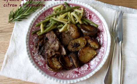 Epaule d'agneau aux anchois, citron et romarin