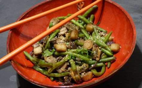 Wok de fruits de mer aux légumes sautés