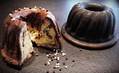 Kougelhopf aux pépites et glaçage chocolat