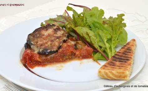 Gâteau d'aubergines aux tomates cerise, basilic et parmesan