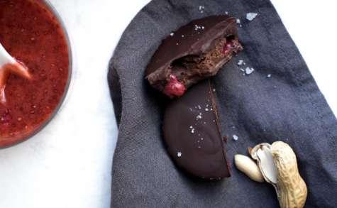 Chocolats fourrés fraise & beurre de cacahuètes