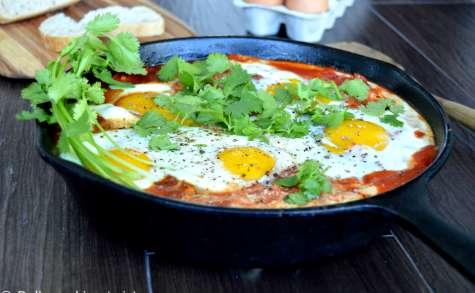 Shakshuka (Oeufs pochés, tomates et feta)