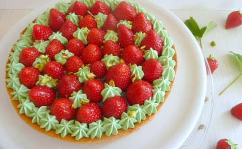 Tarte aux fraises et chantilly à la pistache