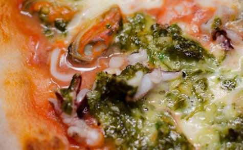 Pizza aux fruits de mer à la persillade