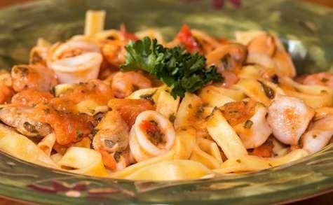 Penne aux fruits de mers, sauce Arrabiata