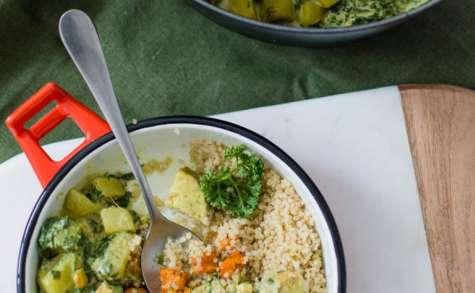Curry végétalien au butternut, tempeh, épinards et lait de coco