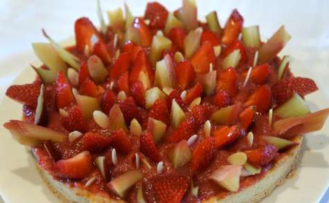 Tarte à la rhubarbe, fraises et amandes du Chef Claire Heitzler